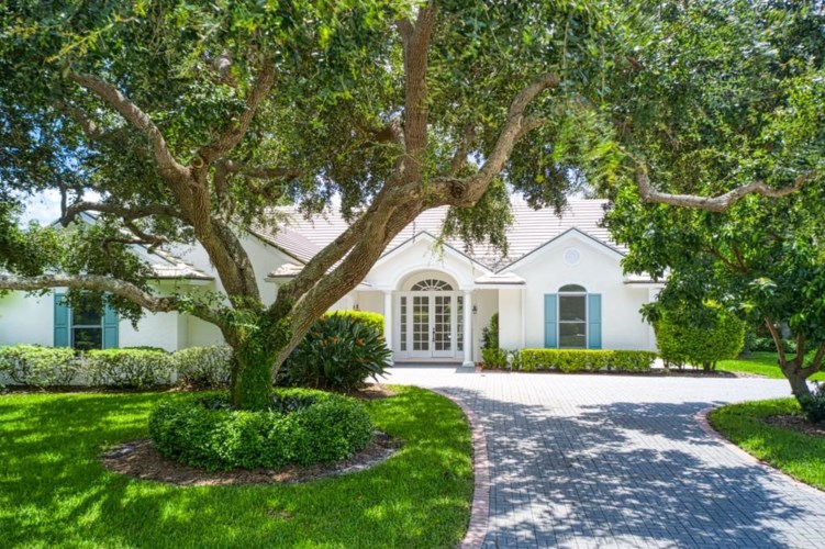 104 River Oak Drive, Indian River Shores, FL 32963