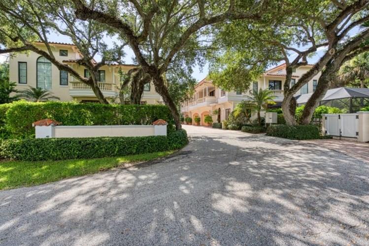 1626 Club Drive, Vero Beach, FL 32963