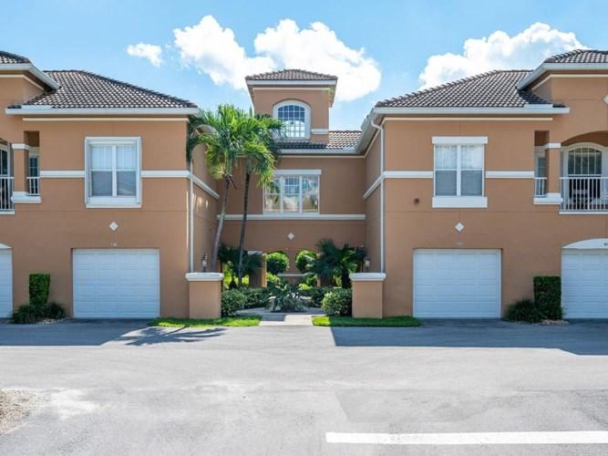 5035 Fairways Circle  #C204, Vero Beach, FL 32967