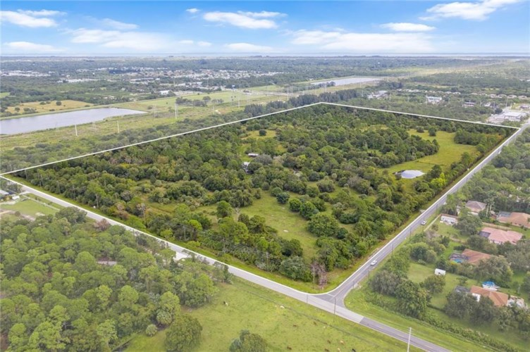 810 Kitterman Road, Port St. Lucie, FL 34952