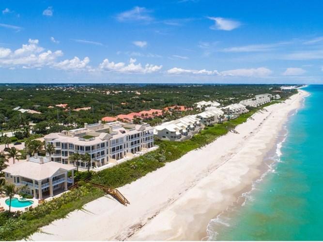 200 E Sea Colony Drive  #2D, Vero Beach, FL 32963