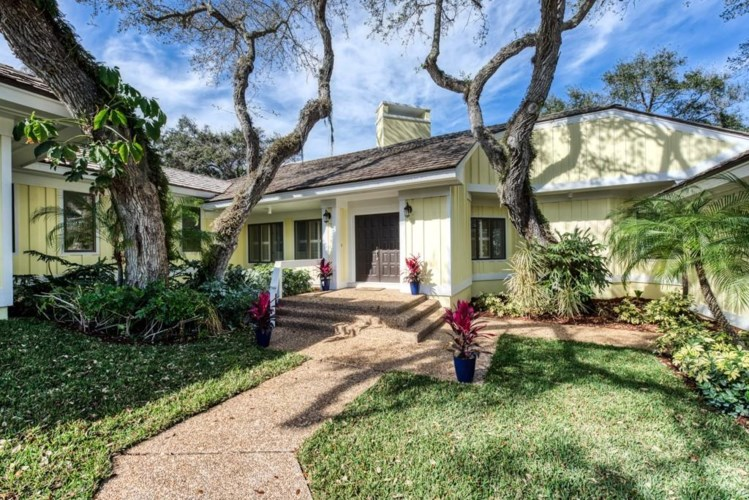 1762 Bay Oak Circle, Vero Beach, FL 32963