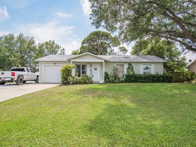 721 17th Place SW, Vero Beach, FL 32962