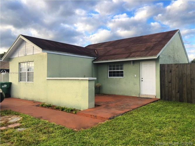 3525 NW 204th Ter, Miami Gardens, FL 33056