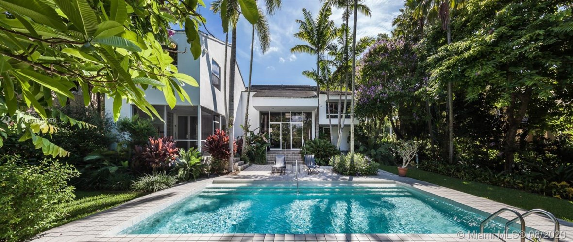 220 Costanera Rd, Coral Gables, FL 33143