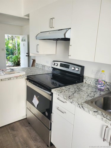 715 NE 92nd St.  #4, Miami Shores, FL 33138