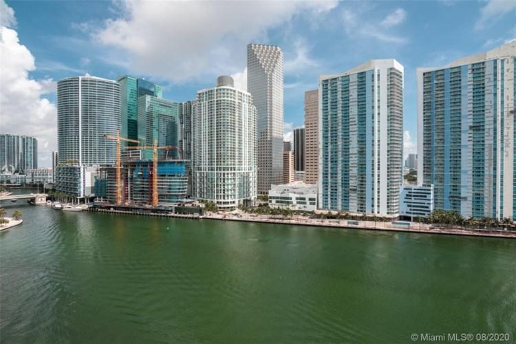 900 Brickell Key Blvd  #1403, Miami, FL 33131