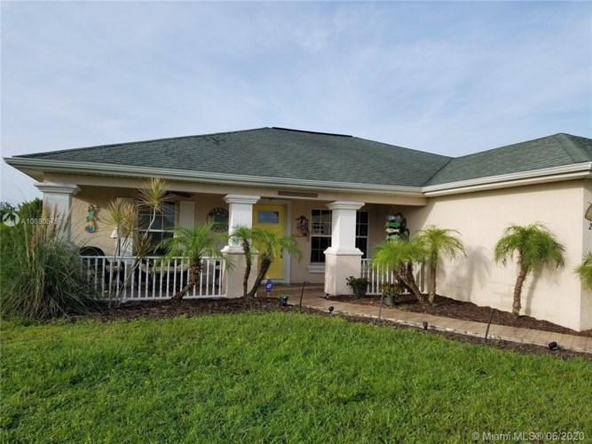 2805 44th St. W, Lehigh Acres, FL 33971