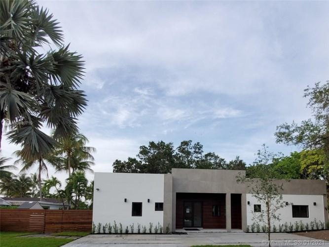 1836 NE 211th Ln, Miami, FL 33179