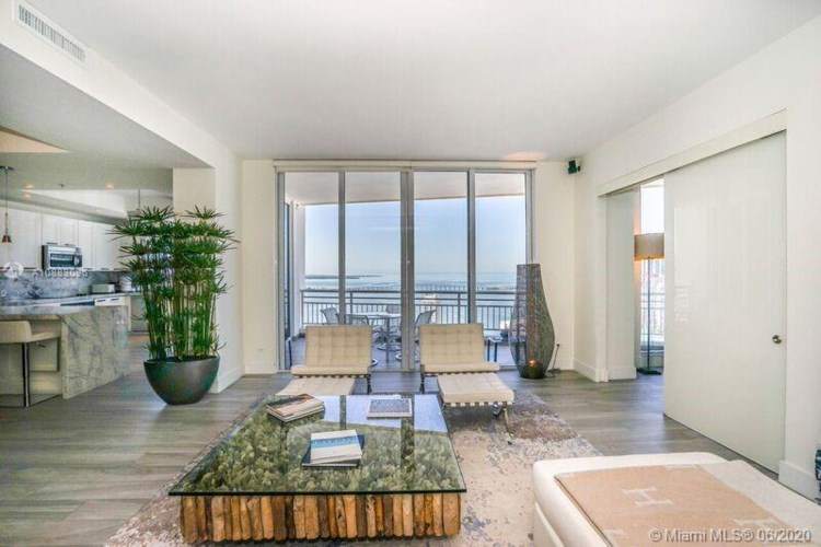 848 Brickell Key Dr  #4205, Miami, FL 33131