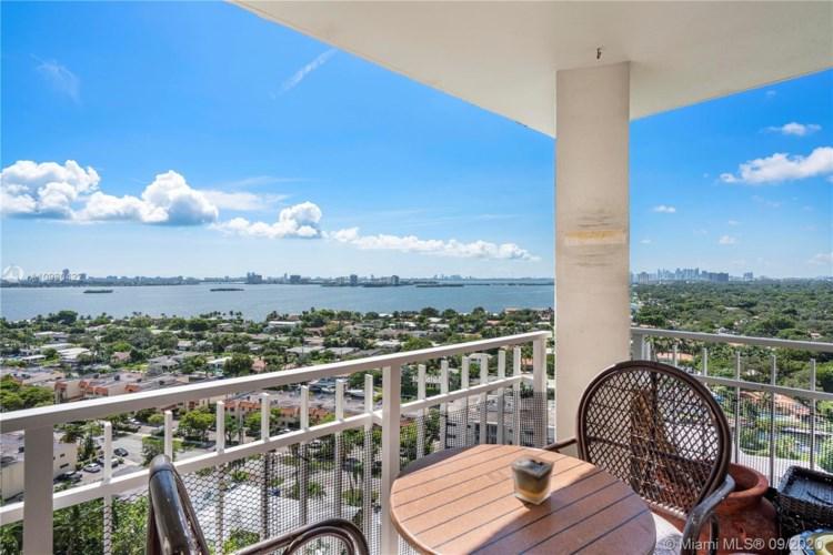 2000 Towerside Ter  #1910, Miami, FL 33138