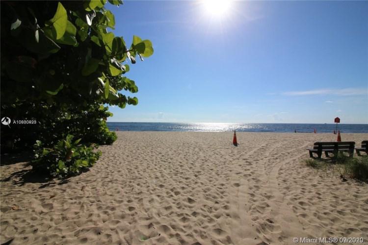 3240 NE 16th St  #7, Pompano Beach, FL 33062