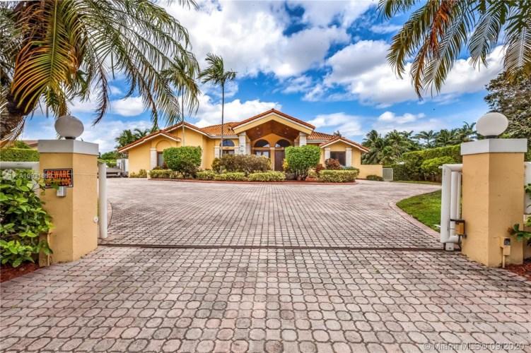 10475 SW 58th St, Miami, FL 33173