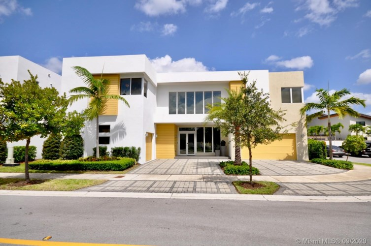 10223 NW 75th Ter, Doral, FL 33178