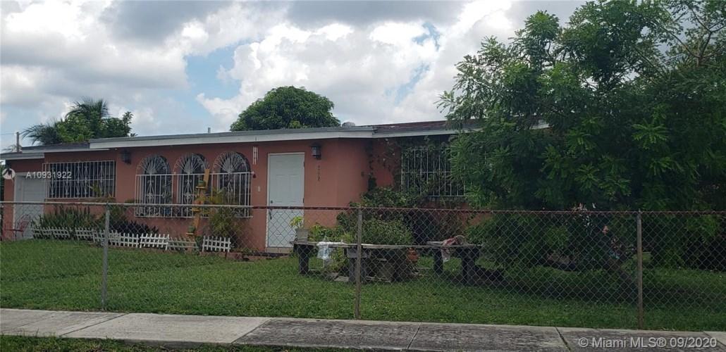 4005 NW 196th St, Miami Gardens, FL 33055