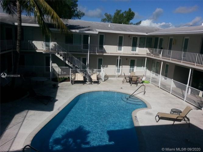 1940 Biarritz Dr  #16, Miami Beach, FL 33141