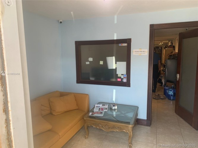 470 Ansin Blvd  #470G, Hallandale Beach, FL 33009