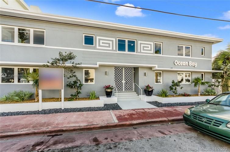 8260 Byron Ave  #19, Miami Beach, FL 33141