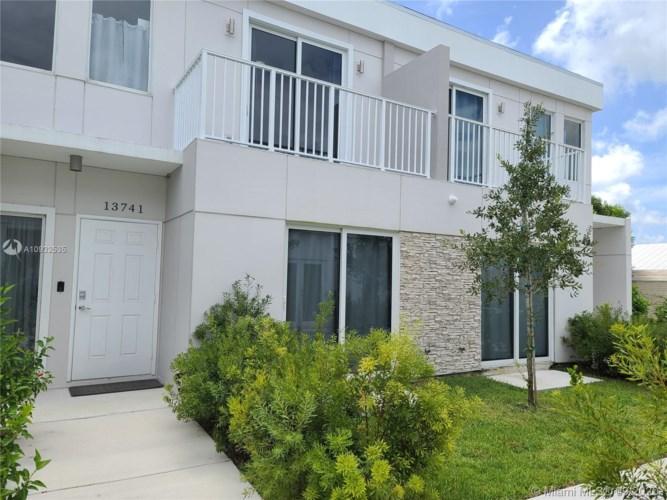 13724 SW 259th St, Miami, FL 33032