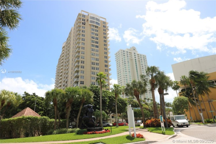 770 Claughton Island Dr  #1702, Miami, FL 33131