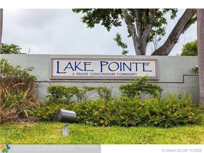 215 Lake Pointe Dr  #102, Oakland Park, FL 33309