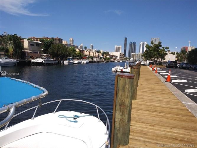 3703 NE 166th St  #701, North Miami Beach, FL 33160