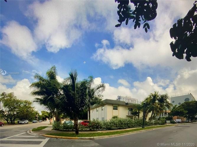 425 NE 32nd St  #5, Miami, FL 33137