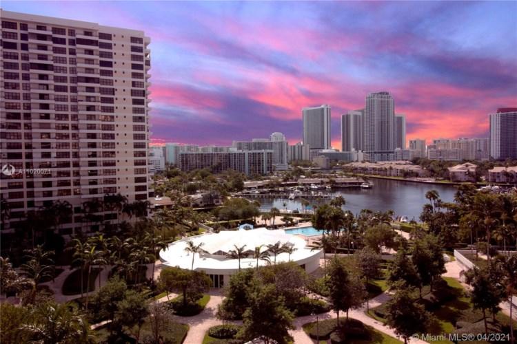 600 Three Islands Blvd  #916, Hallandale Beach, FL 33009