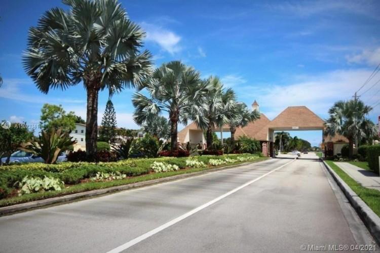 181 E Suffolk  #E, Boca Raton, FL 33434