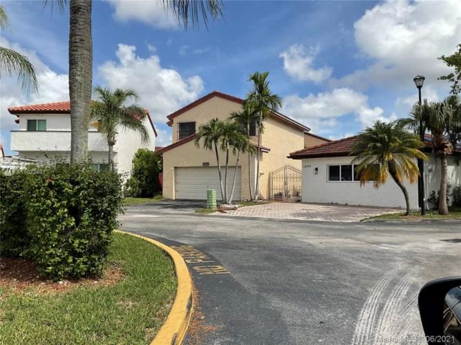 1097 SW 134th Ct, Miami, FL 33184