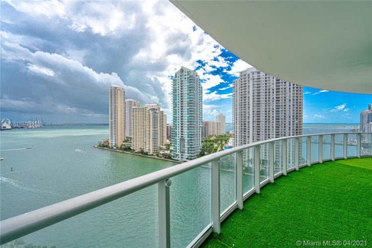 300 S Biscayne Blvd  #T-1710, Miami, FL 33131