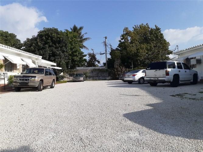 1245 NE 110th St  #6, Miami, FL 33161