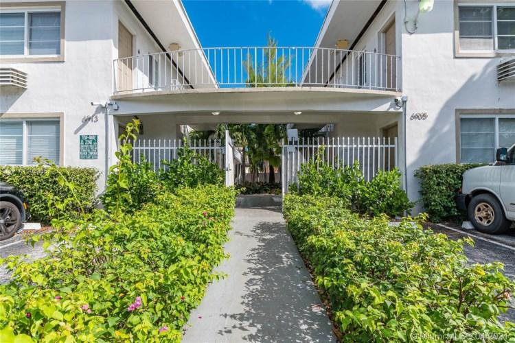 6913 Rue Vendome  #9, Miami Beach, FL 33141