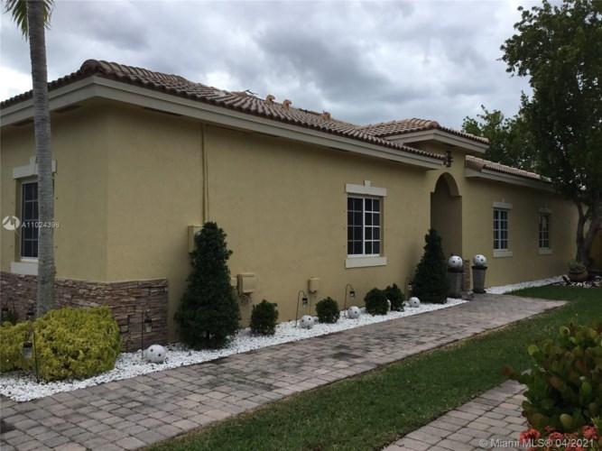 3353 NE 11th Dr, Homestead, FL 33033