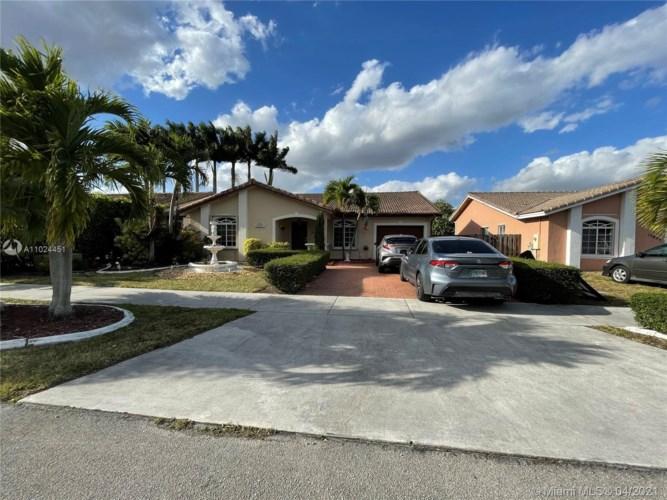 15865 SW 50th Ter, Miami, FL 33185