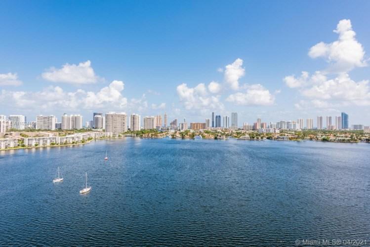 17301 Biscayne Blvd  #1510, North Miami Beach, FL 33160