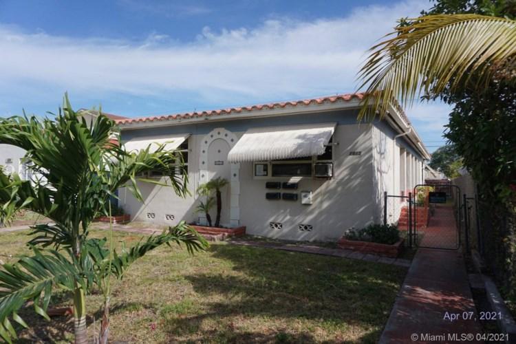 1815 Buchanan St, Hollywood, FL 33020