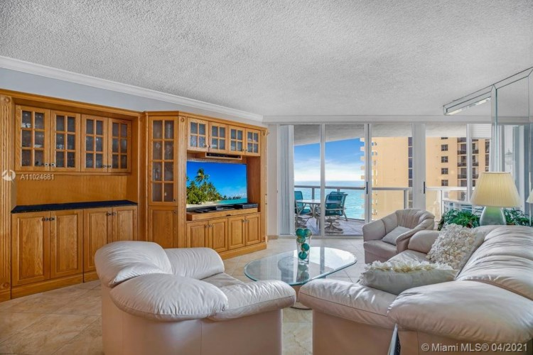 16425 Collins Ave  #1212, Sunny Isles Beach, FL 33160