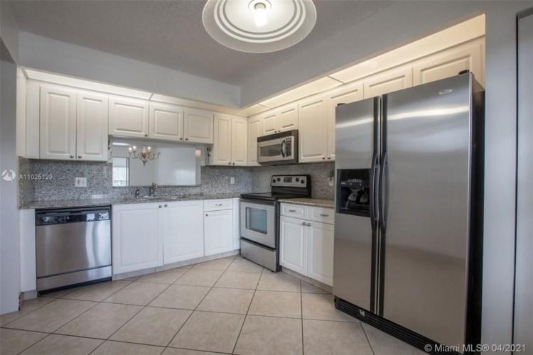 1100 SW 130th Ave  #203H, Pembroke Pines, FL 33027