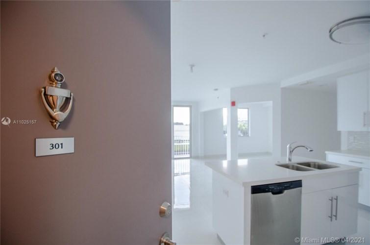 2651 NE 212th Ter  #301, Miami, FL 33180