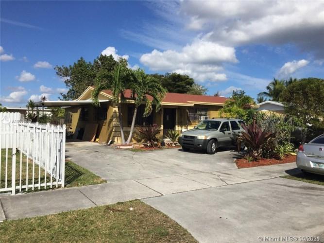 11471 SW 197th St, Miami, FL 33157