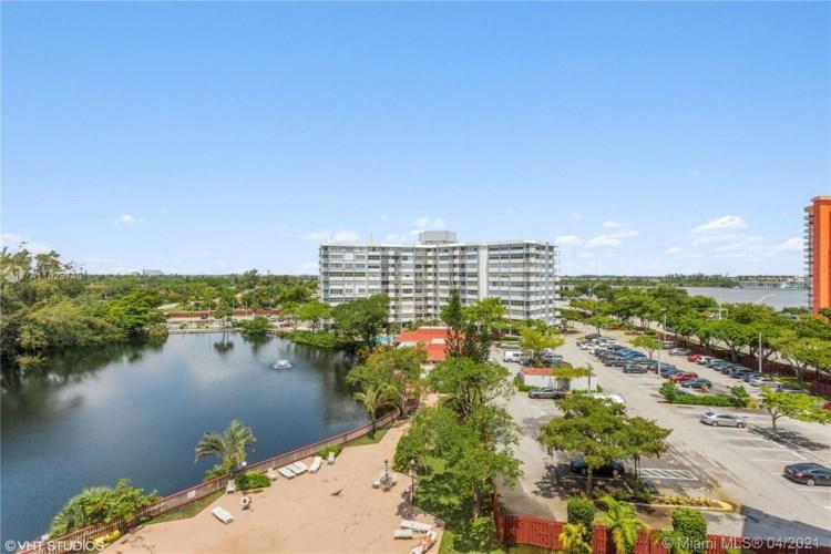1300 NE Miami Gardens Dr  #715E, Miami, FL 33179