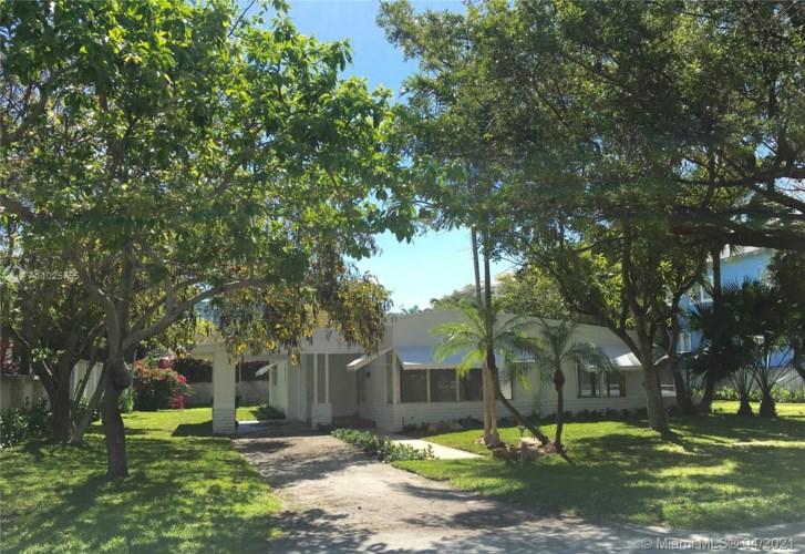 379 Gulf Rd, Key Biscayne, FL 33149