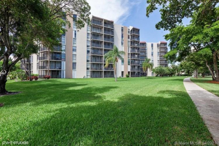 3101 N Country Club Dr  #411, Aventura, FL 33180