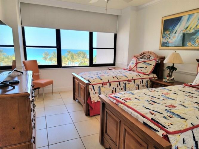 3505 S Ocean Dr  #520, Hollywood, FL 33019