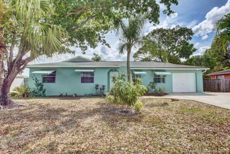 858 Croton Drive, Royal Palm Beach, FL 33411