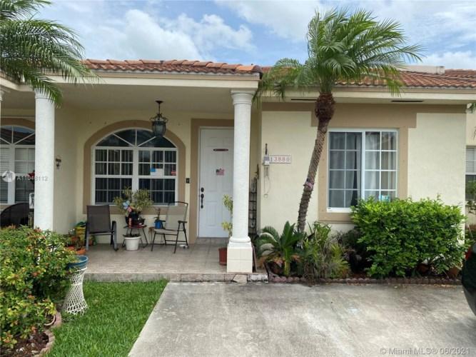 13880 SW 153rd Ter, Miami, FL 33177