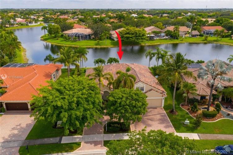 5213 Kensington Cir, Coral Springs, FL 33076