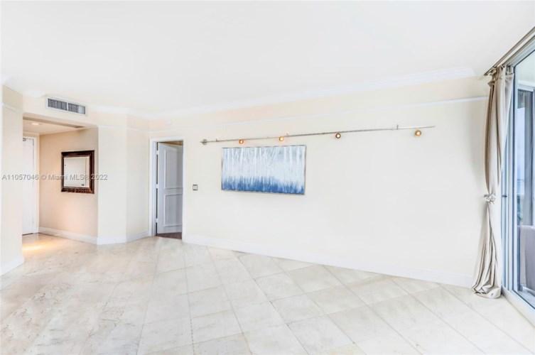 4779 Collins Ave  #3006, Miami Beach, FL 33140