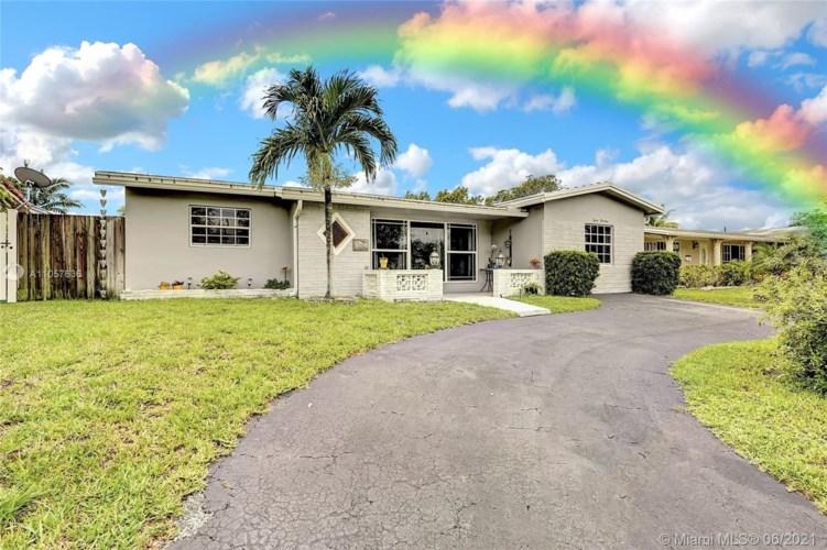 714 S Rainbow Dr, Hollywood, FL 33021